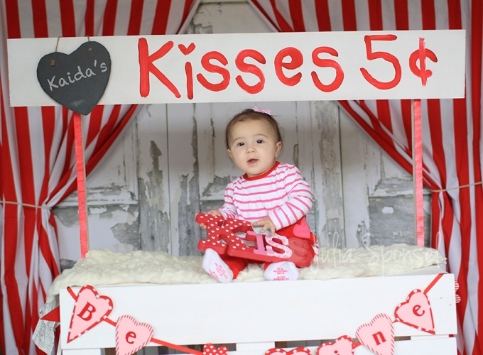 Kissing Booth | Valentines Mini Sessions | San Diego Photographer » Julia  Sponsel Photography | Frisco Photographer | Frisco Senior Photographer