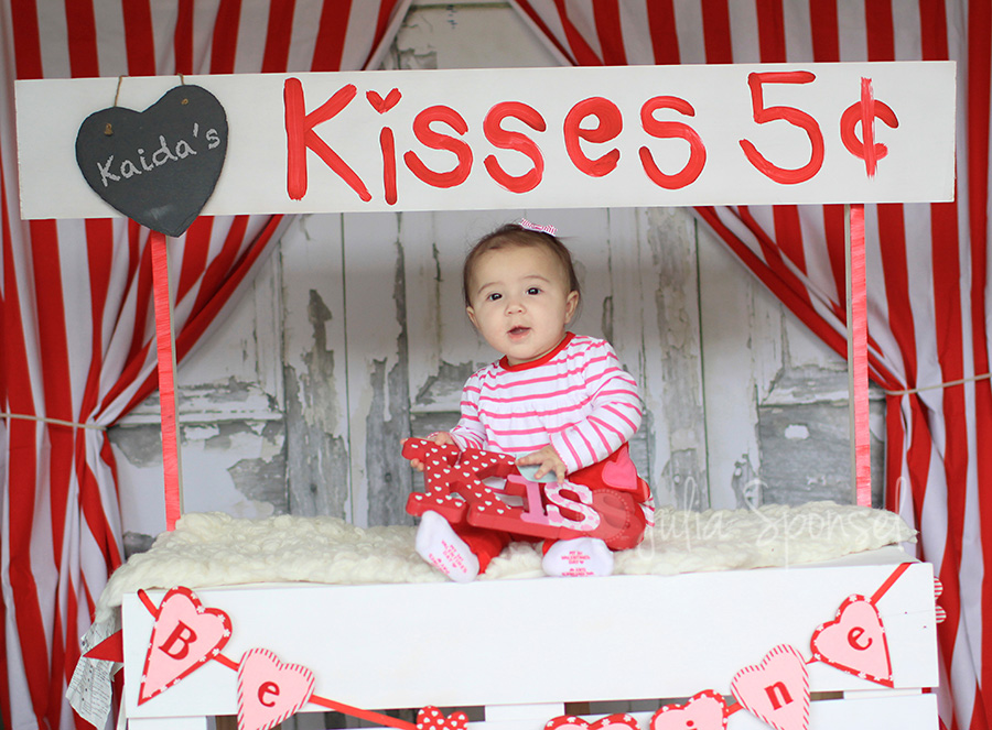 Kissing Booth Valentines Mini Sessions San Diego Photographer